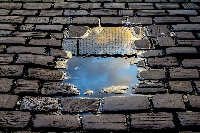 reflection-2922045_640